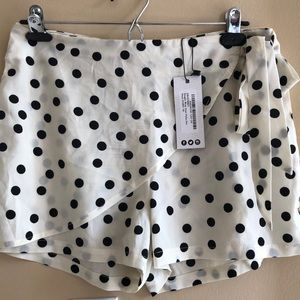 Reagan wrap of the polka dots skort ivory